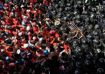 Bangkok red Shirts Riot
