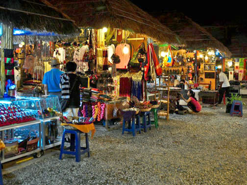 angkor night market stalls