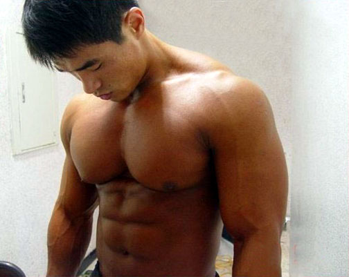 nude muscle dude