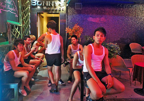Seattle's Gay Bar Scene Is Changingand That's A Good Thing