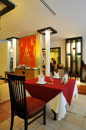 Bussaracum offers fine Thai dining and a menu of royal Thai cuisine that will please even the fussiest queen.
