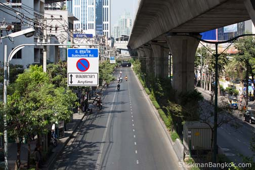 Believe it or not, this is Sukhumvit (from the soi 12 overpass looking up toward Soi Nana).