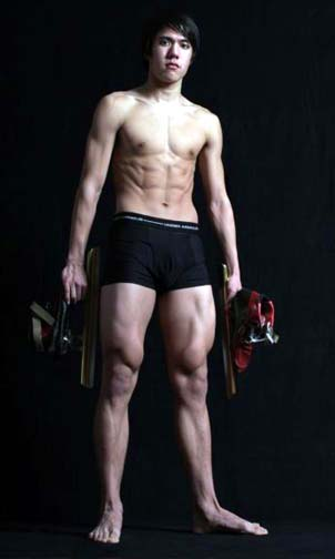 J.R Celski shows what an Olympian is made of both on and off the ice.